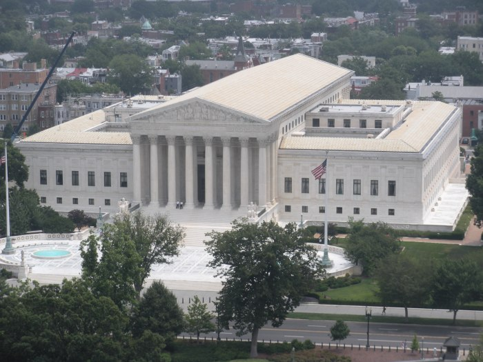 Supreme_Court_of_the_United_States_-_Philosophical_Swag